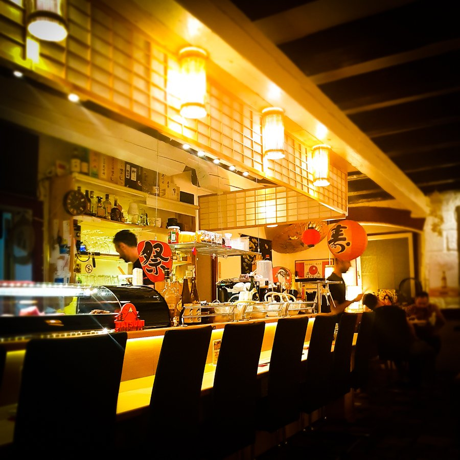 Sushi Bar Tatsumi interior